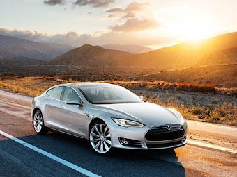 """""""Тесла"""" не нашла покупателей на доступный электроседан"""