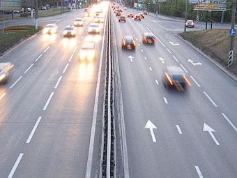 Максимальную скорость на российских дорогах увеличат в мае