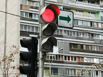 """Эксперты выбрали адреса в Москве для правого поворота под """"красный"""""""