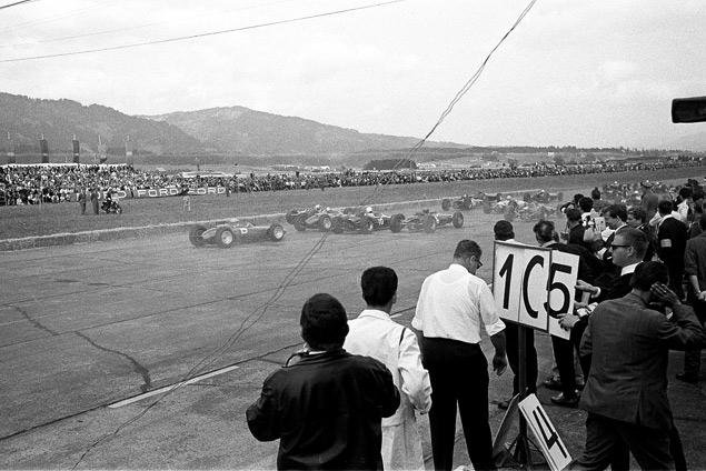 Какие автодромы исчезли из Формулы-1 после первой же гонки. Фото 24