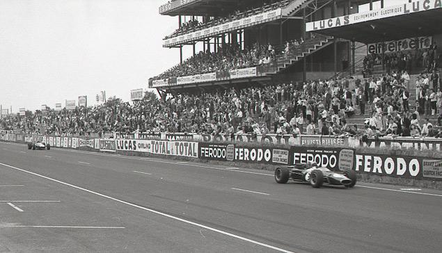 Какие автодромы исчезли из Формулы-1 после первой же гонки. Фото 28