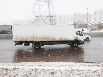 Москва увеличила штраф за выезд фур на МКАД днем