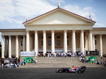 Себастьян Феттель приедет в Сочи для демонстрационного заезда