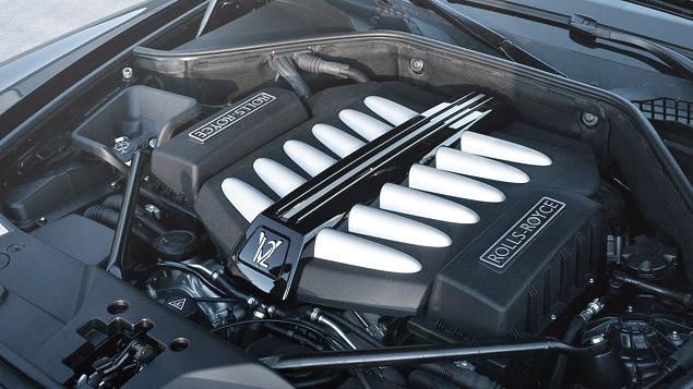Внезапный тест-драйв роскошного седана Rolls-Royce Ghost. Фото 5