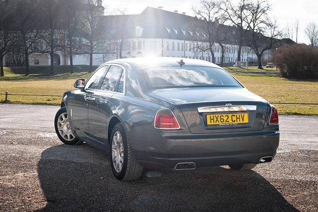 Внезапный тест-драйв роскошного седана Rolls-Royce Ghost. Фото 7