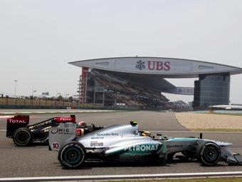 Чемпионы Формулы-1 пожаловались на ухудшение износа резины