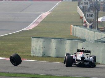 Команду Red Bull оштрафовали за отвалившееся колесо Уэббера