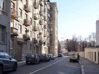 Москвичам предложили сделать четыре переулка в центре односторонними