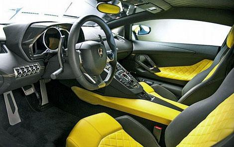 Суперкар получит форсированный 6,5-литровый мотор V12. Фото 3