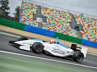 Компания Renault примет участие в гонках электромобилей