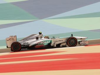 Хэмилтон потеряет пять мест на старте Гран-при Бахрейна