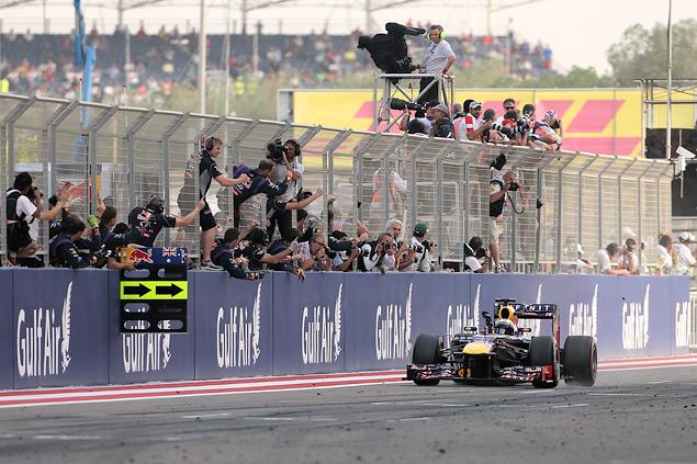 Подиум Гран-при Бахрейна полностью повторил прошлогодний. Фото 2