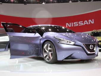 Nissan встроил в автомобиль социальную сеть
