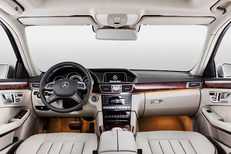 Для китайского рынка седан E-Class получил длиннобазную версию. Фото 3