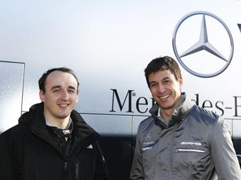 Кубица тайно поработает на симуляторе команды Формулы-1 Mercedes