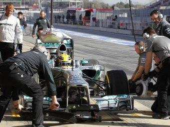 Болидом Mercedes AMG для 2014 года займется половина команды
