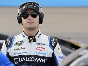 На гонке NASCAR Пике-младший подрался с соперником
