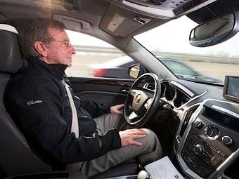 """Cadillac выведет на дороги автомобили с """"суперкруизом"""""""