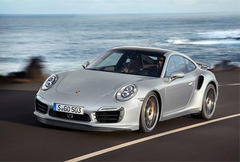 Компания Porsche рассекретила сразу две турбо-версии Porsche 911. Фото 1
