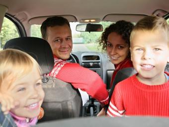 Ученые признали родителей безответственными водителями