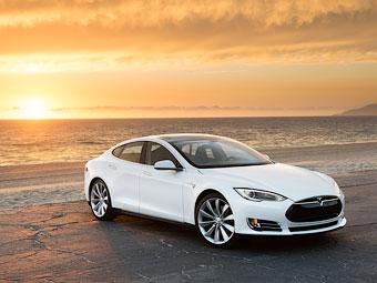 """""""Тесла"""" наделила свой электроседан управляемостью суперкара"""
