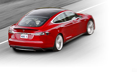 Седан Model S получил доработанную подвеску и более цепкие шины