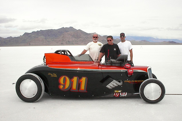 Инспектируем двигатель для гоночной машины Бонневиля. Фото 5