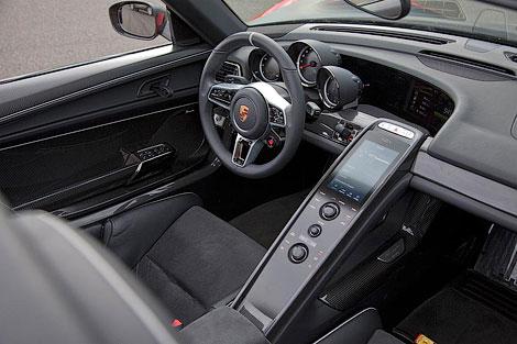 Модель 918 Spyder получит активную аэродинамику и полноуправляемое шасси. Фото 4