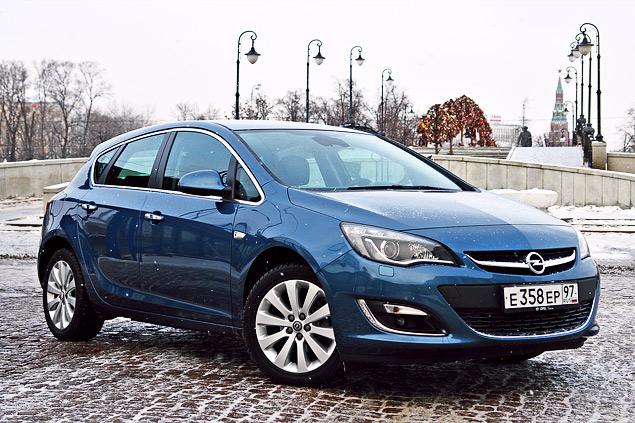 """Длительный тест Opel Astra: конкуренты из """"гольф-класса"""" и подсчет расходов"""