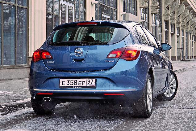 """Длительный тест Opel Astra: конкуренты из """"гольф-класса"""" и подсчет расходов. Фото 1"""