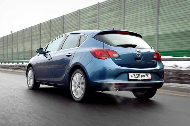 """Длительный тест Opel Astra: конкуренты из """"гольф-класса"""" и подсчет расходов. Фото 4"""