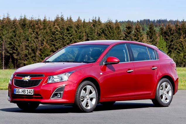 """Длительный тест Opel Astra: конкуренты из """"гольф-класса"""" и подсчет расходов. Фото 6"""