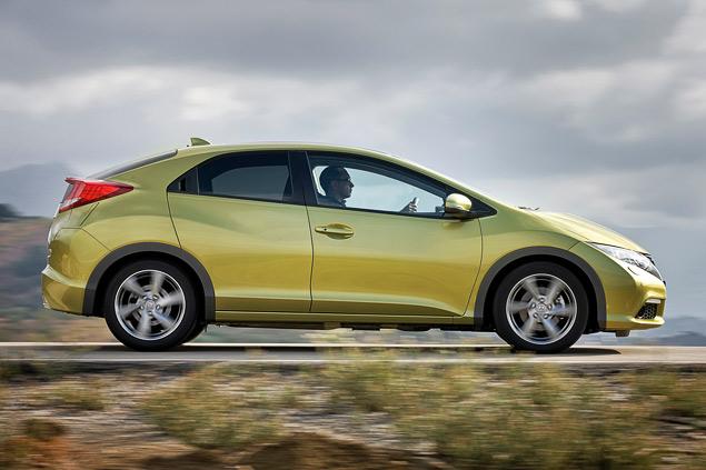 """Длительный тест Opel Astra: конкуренты из """"гольф-класса"""" и подсчет расходов. Фото 10"""