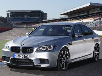 BMW сделала обновленные M5 и M6 мощнее