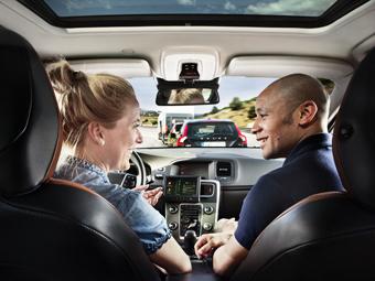 Автомобилисты поверили в автопилоты