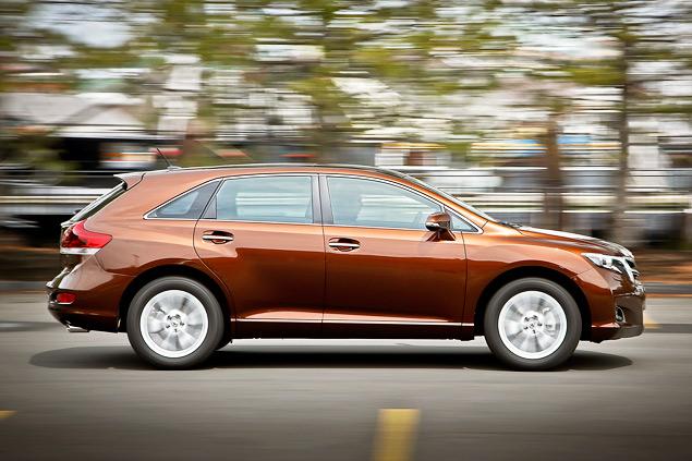 Зачем Toyota сделала неформатный автомобиль под названием Venza. Фото 4