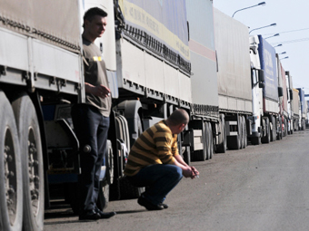 Штраф для нарушающих правила парковки водителей фур увеличат в 10 раз