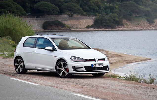 Знакомимся с самым практичным хот-хэтчем этого года: VW Golf GTI. Фото 9