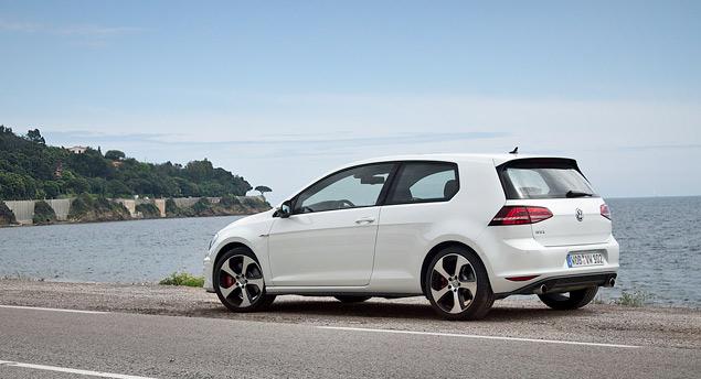 Знакомимся с самым практичным хот-хэтчем этого года: VW Golf GTI. Фото 10