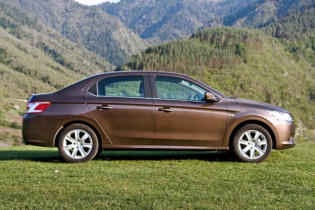 Зачем марка Peugeot привезла в Россию еще один бюджетный седан. Фото 1