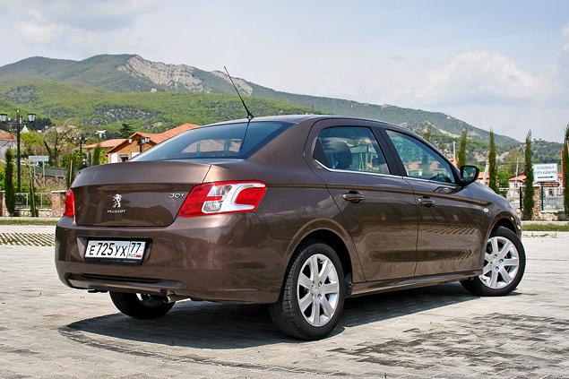 Зачем марка Peugeot привезла в Россию еще один бюджетный седан. Фото 2