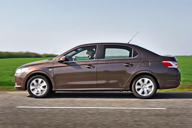 Зачем марка Peugeot привезла в Россию еще один бюджетный седан. Фото 6