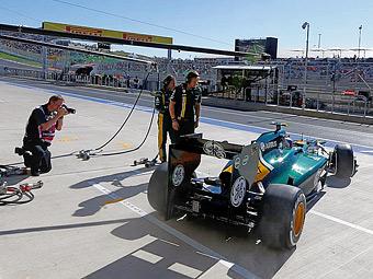 Команда Caterham опередила Sauber и Force India по численности персонала