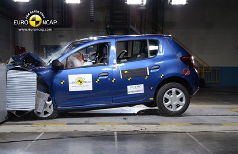 Только две машины из четырех получили максимальную оценку в пять звезд. Фото 2