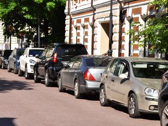Платные парковки на четверть разгрузили центр Москвы
