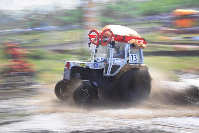 В Ростове прошли единственные в стране гонки на сельхозтехнике. Фото 3