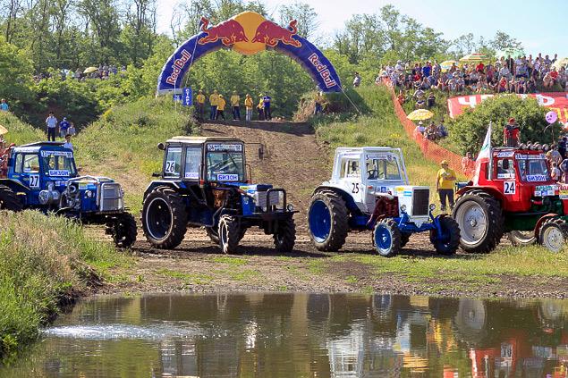 В Ростове прошли единственные в стране гонки на сельхозтехнике. Фото 10