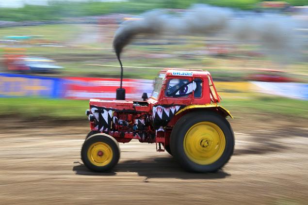 В Ростове прошли единственные в стране гонки на сельхозтехнике. Фото 12