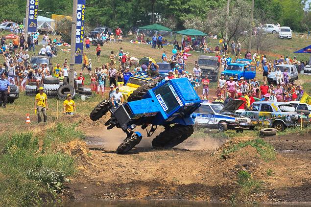 В Ростове прошли единственные в стране гонки на сельхозтехнике. Фото 13