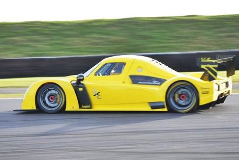 """385-сильный спорткар набирает """"сотню"""" за 2,8 секунды"""